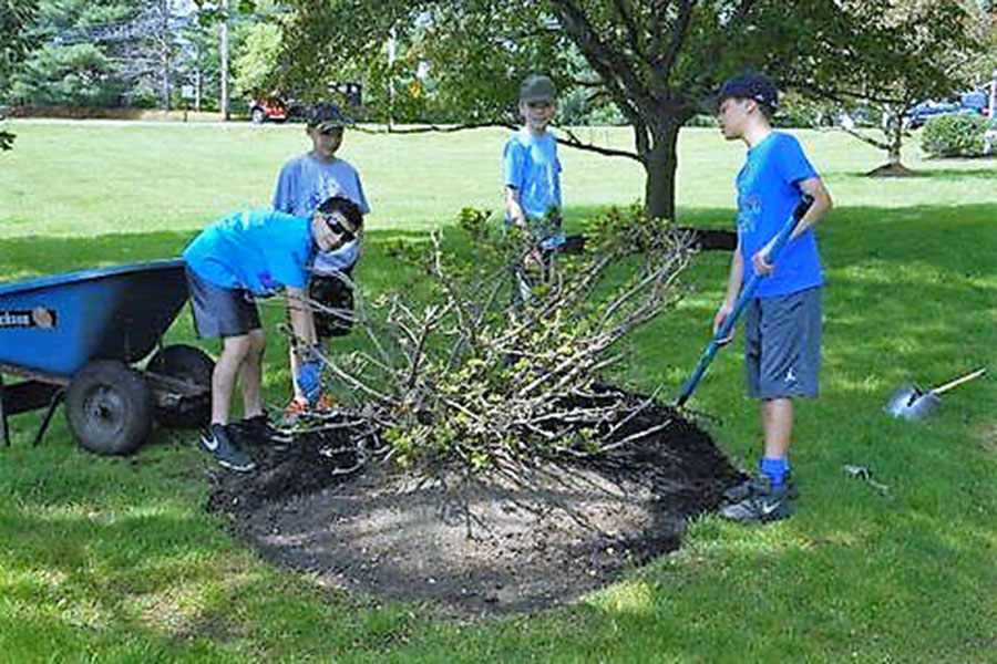 Youth Working Hard - Spring Cleanup 2016